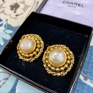 CHANEL Jewelry - Authentic Vintage CHANEL Faux Pearl Clip Earrings